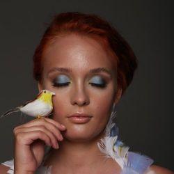 Make up artist Anna Baratz