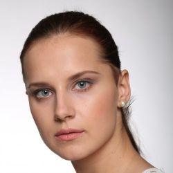 Make up artist Elena Lavit