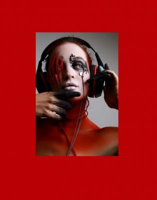 Makeup Felix ShteinPhotograph Natia DunduaModel Katerina ZaporojezMagazine IMIRAGE