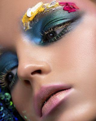 Makeup Felix ShteinPhotograph Mary VostokovaModel Kronskaya