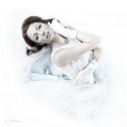 Photographer: Eddi Shtern Model:Janna SarMakeup: Olga Krasnovsky