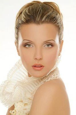 Photographer: Tzahi Vazana Model: Jeni Makeup: Felix Shtein